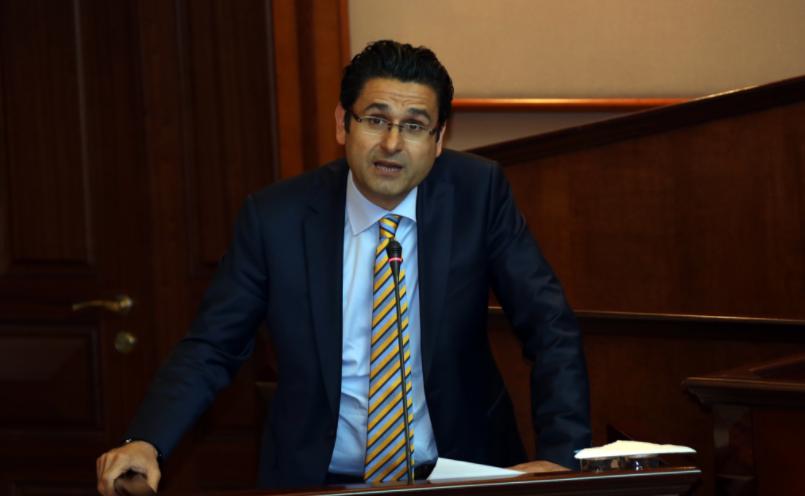 Gazi Kaşıtoğlu, İBB Meclisinde CHP'li Meclis Üyesine Sert Konuştu
