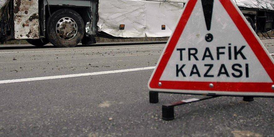 Beykoz'da Karşıya Geçen Kadına Araba Çarptı