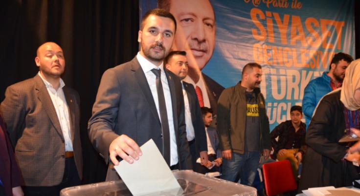 AK Parti Gençliği Furkan Çeliker'e Emanet!