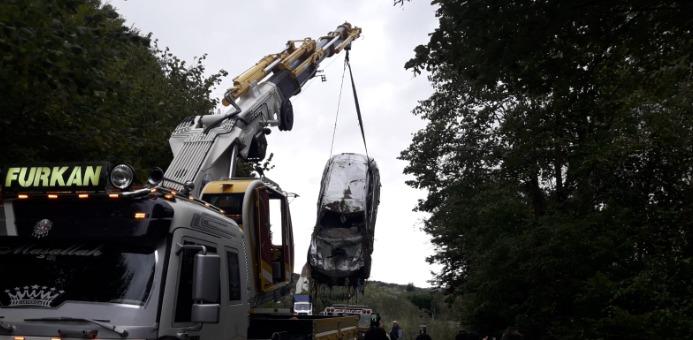Sel Felaketinde Dereye Uçan Araçlar Çıkartıldı