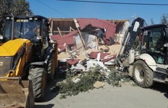 Çevre ve Şehircilik Bakanlığı Beykoz'daki Kaçak Yapıları Yıktı