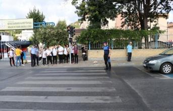 Okul Geçitleri Zabıtayla Güvende