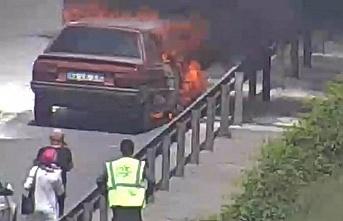 TEM Beykoz Kavacık Mevkii'nde otomobil yangını