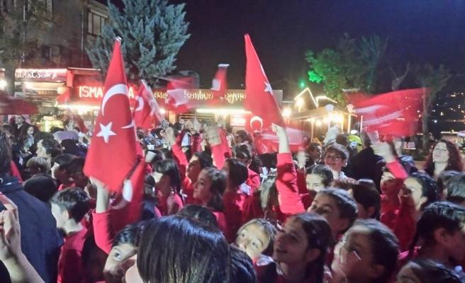 Sedat Simavi Okulu Cumhuriyet Bayramı'nı Kutladı