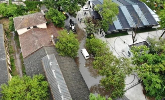 Sağnak Yağış Beykoz'da Yaşamı Durdurdu