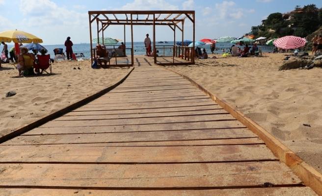Riva'da Güneşe, Denize ve Kumsala Engel Yok