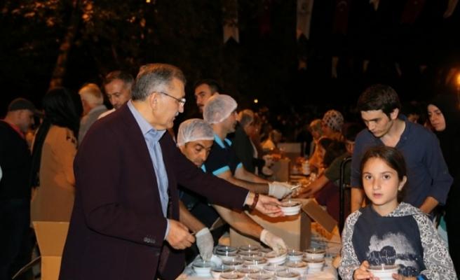 Beykoz'da 30 Bin Aşure İkramı