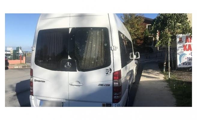 Riva'da Servis Aracına Silahlı Saldırı