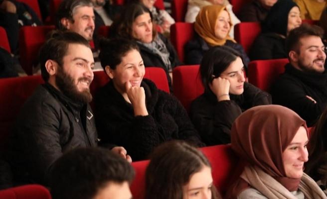 Kültür Merkezlerinde Biletli Ve Keyifli Seyir Başladı