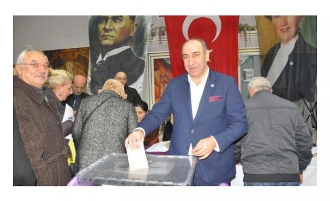İYİ Parti Beykoz'da Akif Taşdemir'den Vazgeçmedi