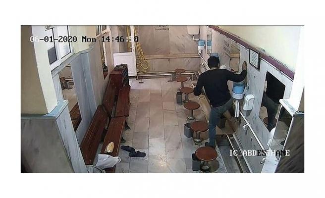 Beykoz'da caminin musluklarını çalan hırsız tutuklandı