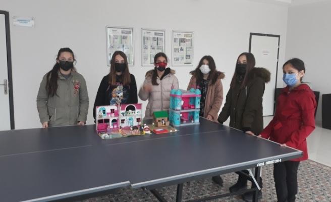"""""""Deprem Uyarır  Bilinç  Kurtarır"""" e-twinning projesi kapsamında gerçekleştirilen etkinliği Spor Toto Teşkilâtı Ortaokulu öğrencileri kazandı"""