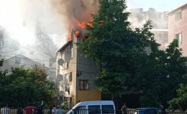 Ortaçeşme Mahallesi'nde büyük yangın