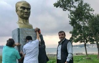 Atatürk Büstüne CHP'li Meclis Üyesi Sahip Çıktı