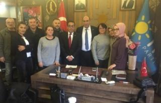 AK Parti Beykoz'un Emektarları İstifa Ederek...