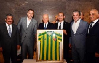 Talat Paşa'nın Kulübü Devlet Bahçeli'nin Huzurunda