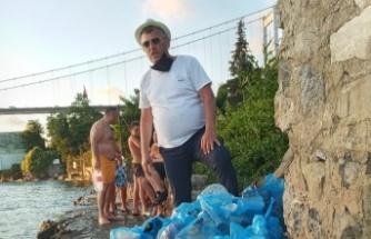 Yenimahalleli gençler Boğazı temizledi