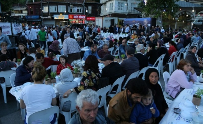 Meydan İftarı Beykoz Merkez'de Kuruldu