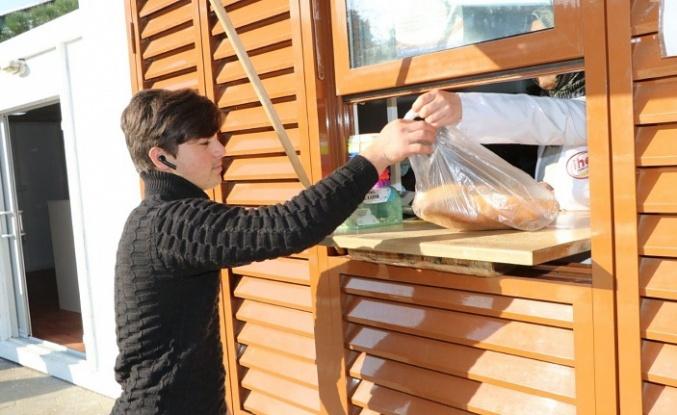 """""""Ekmeğini Çöpten Çıkar"""" Büfeleri Ortaçeşme'de"""